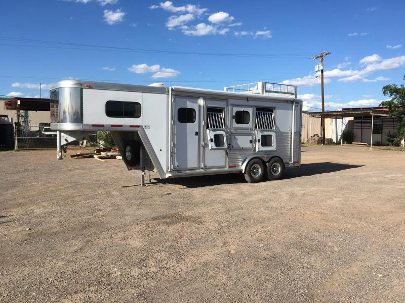 Sundowner Cimarron Trailers And S And H Trailers Horse