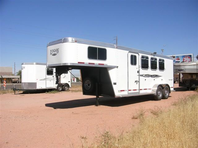 *****SOLD AS NEW TRAILER (YES WARRANTY)***** 2013 Logan Coach Rampage 4H GN Horse Trailer