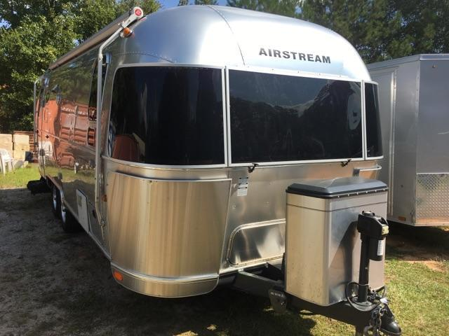 2013 Airstream 25FB Travel Trailer