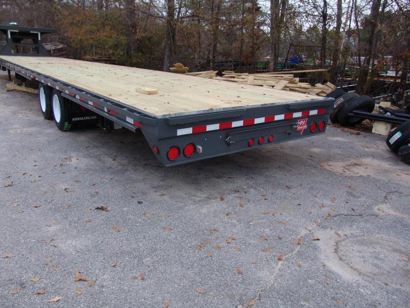 2018 PJ Trailers FD44 Flatbed Trailer