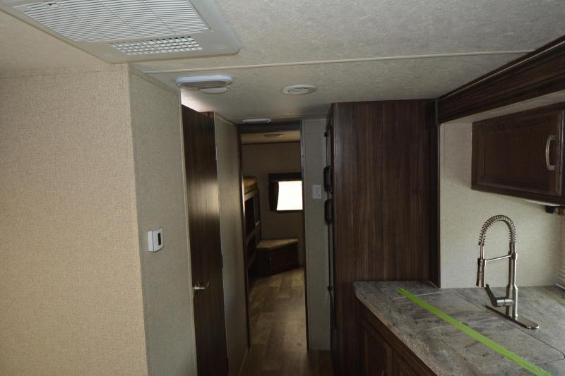 2018 COACHMEN APEX 300BHS