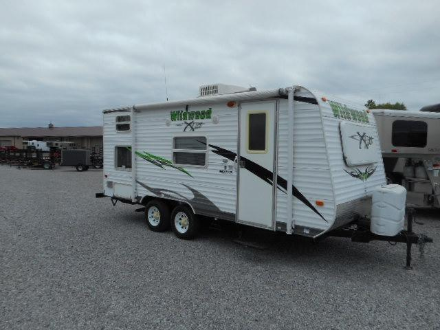 2010 Forest River Inc. Wildwood 18' Travel Trailer