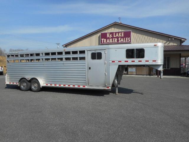 2010 Elite 24' Stock Horse Trailer