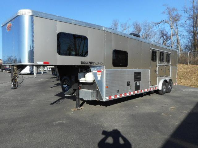 2016 Sundowner Trailers 8310 Couch on SW Horse Trailer