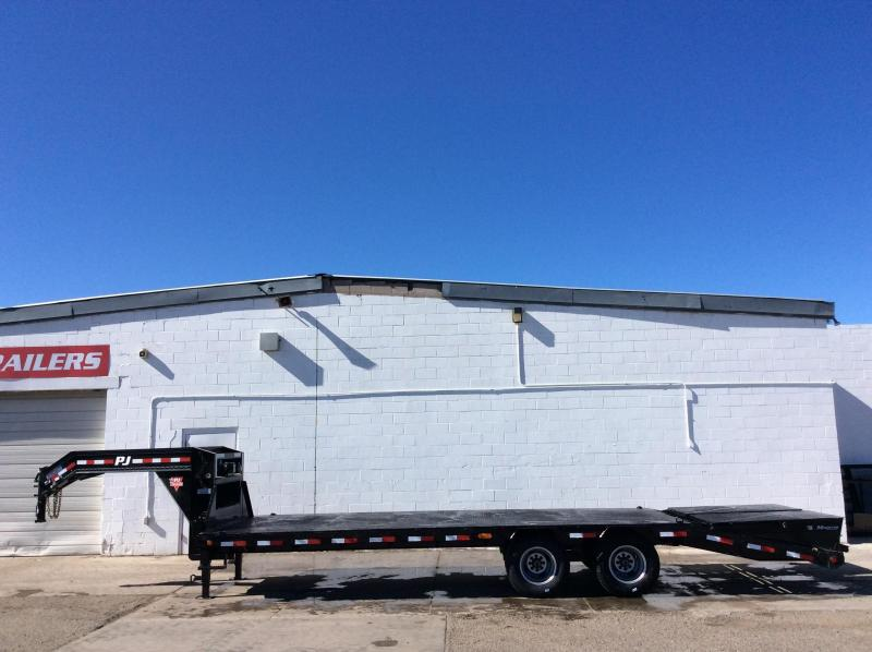 2016 PJ Trailers 30' Classic Flatdeck with Duals Trailer