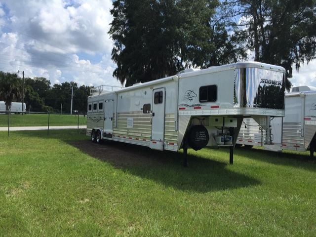2014 Sooner 8wide 3 horse w/18' lq &side ramp Horse Trailer