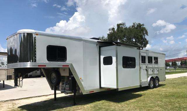 2018 Merhow Trailers 8 wide 3 horse w/16'lq sofa riser wall &fireplac Horse Trailer