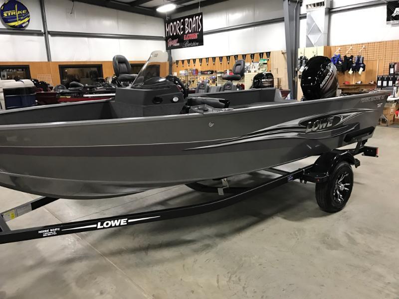 2017 Lowe FM165PS Fishing Boat