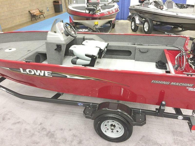 2016 Lowe FM160S 16' Power Boat - Bass Boat