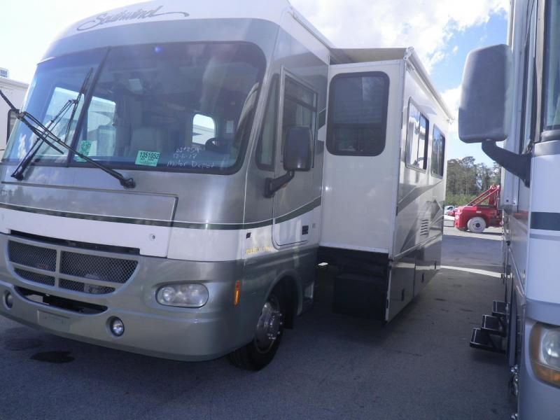 2003 Fleetwood RV Southwind 32VS Ford Class A RV