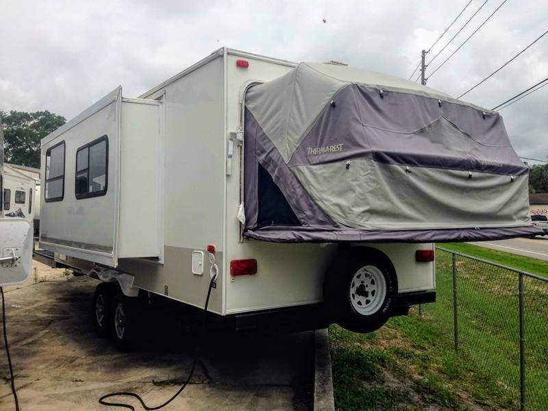 2008 !!SALE PENDING!!  Skamper by Thor Kodiak Expandable 314THV TOY HAULER
