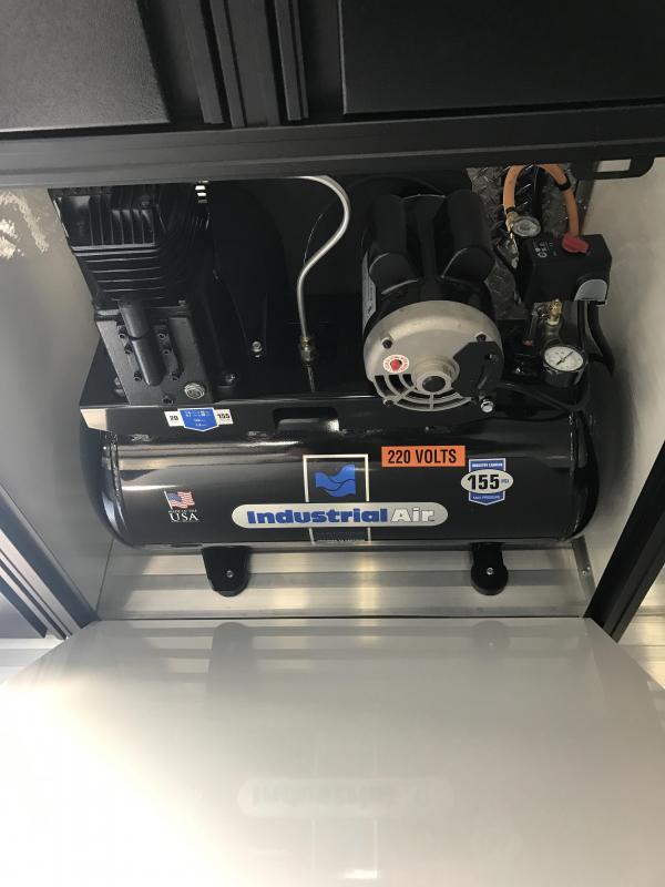 2018 Renegade 36' Hydraulic Lift Gate Stacker Trailer