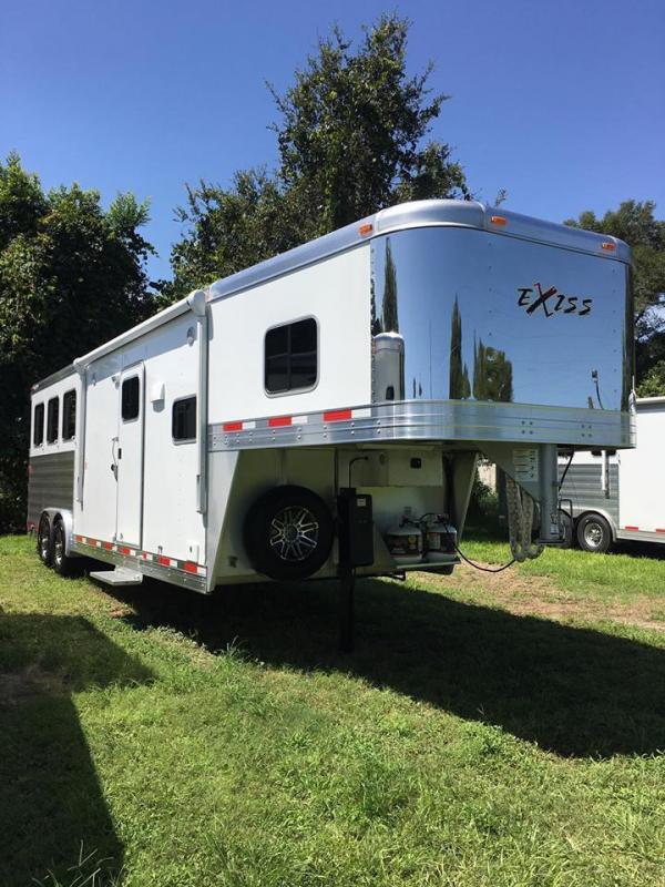 2017 Exiss endeavor 8310 w/sierra interior