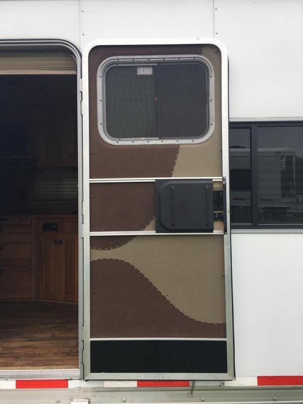 2012 Exiss 8314 w/Sierra Interior LQ Horse Trailer