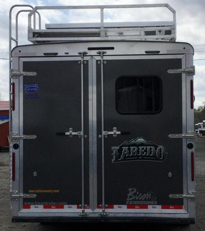 2018 Bison Trailers 2018 BISON 8313LDGB 3 HORSE 13 SHORTWALL LAREDO Horse Trailer