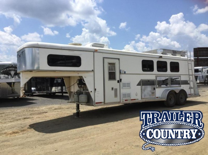 **USED Towlite 3 Horse Living Quarters Trailer  AS IS*****