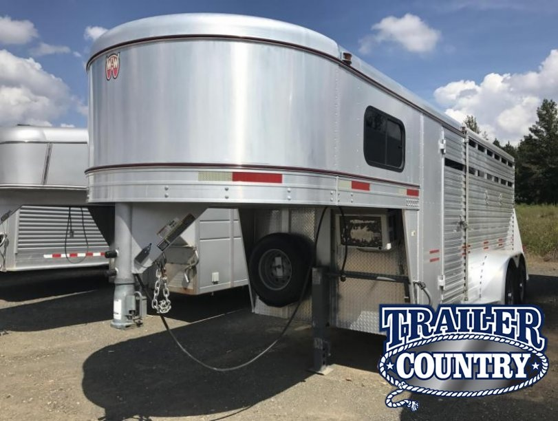 2010 W-W Trailer 16 STC with Front Tack Livestock Trailer