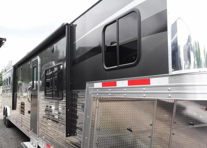 **HUGE DISCOUNT ON NEW 2015 BISON 8416SVRK 4H Silverado With Living Quarters with Rear Kitchen/Slide Out