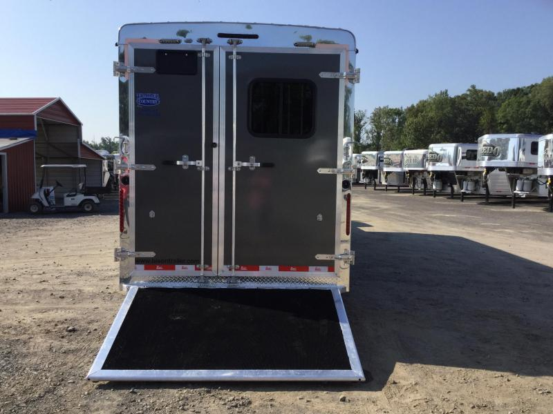Bison 7306THS 3 Horse Trail Hand Living Quarters Trailer