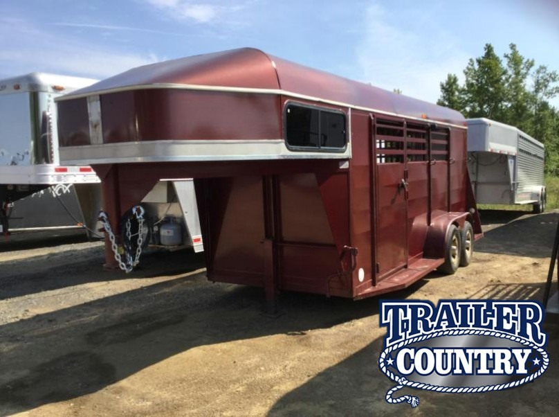 Chaparral Horse trailers for sale - TrailersMarket.com