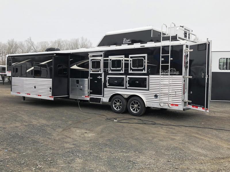 2018 Bison Trailers 8317PR PREMIERE 3 HORSE WITH 17 SHORTWALL SUPER Horse Trailer