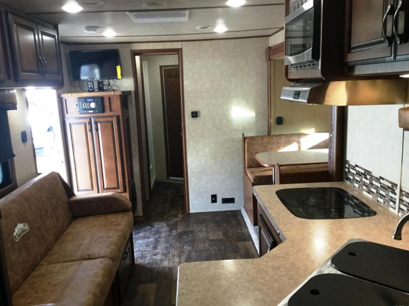 2017 BISON 8414LD 4 HORSE LAREDO WITH 14' SHORT WALL ***JUST REDUCED***