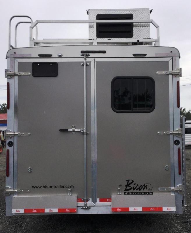2018 Bison Trailers BISON 8414LDLBHRSL 4 HORSE 14 SHORTWALL SIDE LOA Horse Trailer
