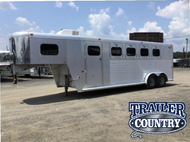 USED HART  4 Horse Slant Trailer