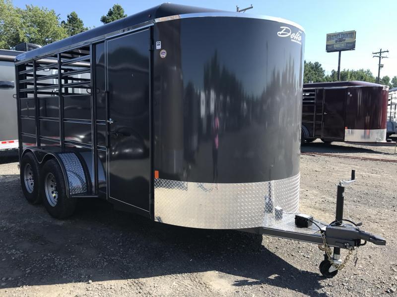 16' Delta Bumper Pull 3 Horse Slant Trailer-Dressing Area