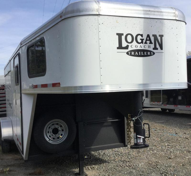 2017 Logan Coach Cross Fire 3 Horse Gooseneck Trailer *** OR BEST OFFER****