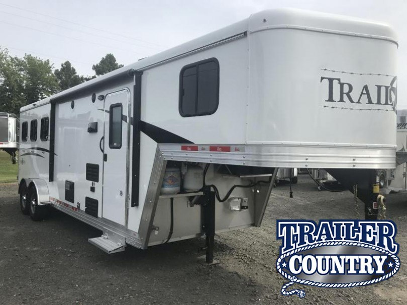 2018 BISON 7308TB 3 HORSE TRAIL BOSS LIVING QUARTERS