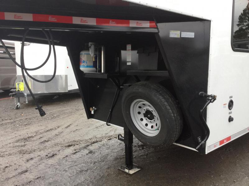 2017 Bison Trailers BISON 7208TH 2H TRAIL HAND Horse Trailer
