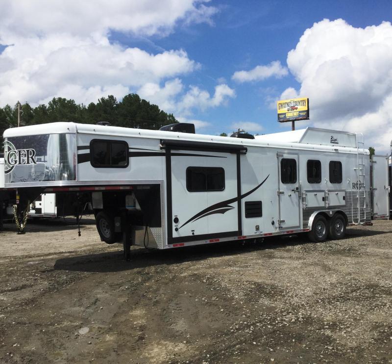 2017 Bison 8310RG Ranger 3 Horse LQ Trailer With Slideout