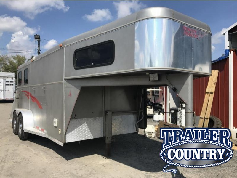 2001 Towlite 2H GN With Weekend Package Horse Trailer