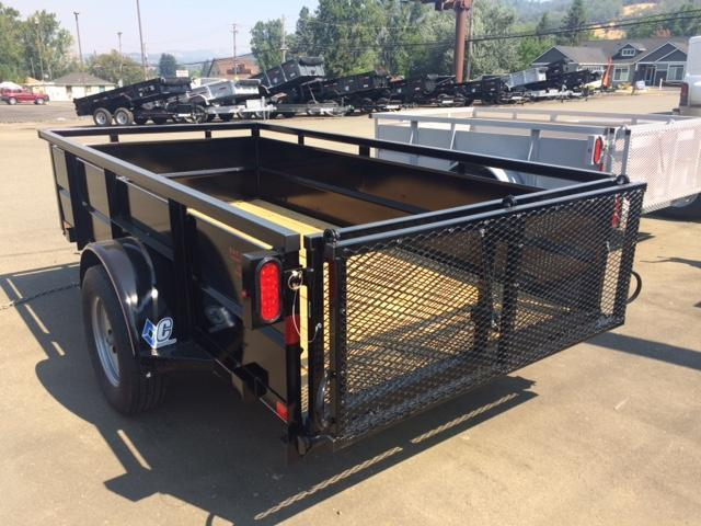 2017 Diamond C 5x10 Box Trailer H1191657