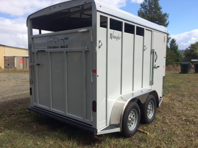 2018 Thuro-Bilt 2H Wrangler Horse Trailer JR180042