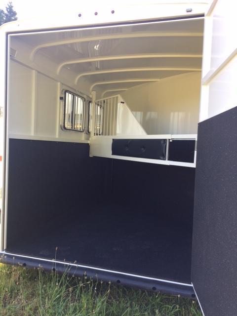 2018 Thuro-Bilt 2H Renegade Horse Trailer JR180004