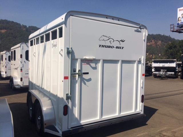2018 Thuro-Bilt 2H Wrangler Plus Horse Trailer JR180022