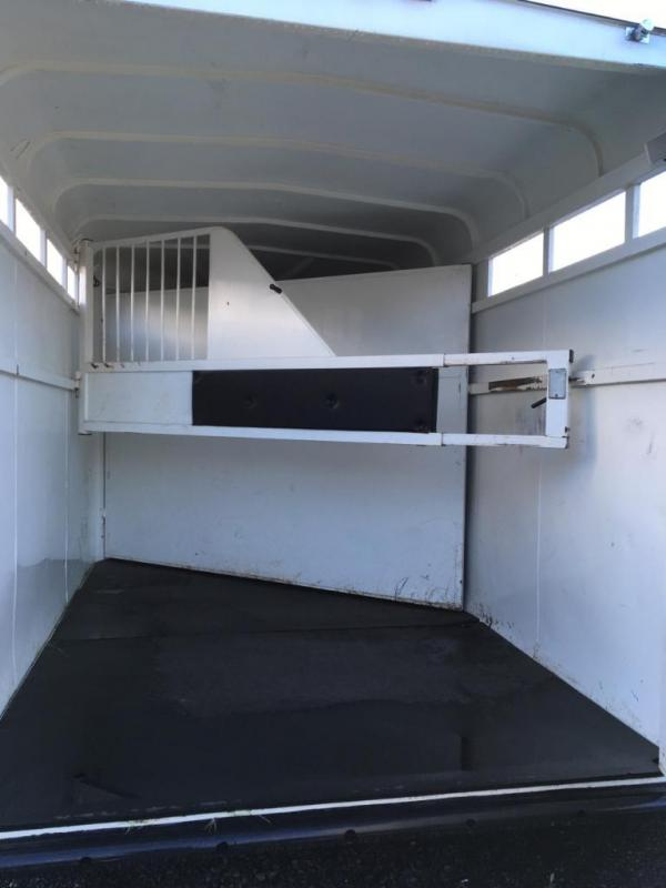 USED 2013 Thuro-Bilt 2H Maverick Horse Trailer DR130001