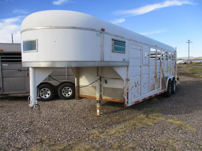 1976 Sooner Stock Livestock Trailer