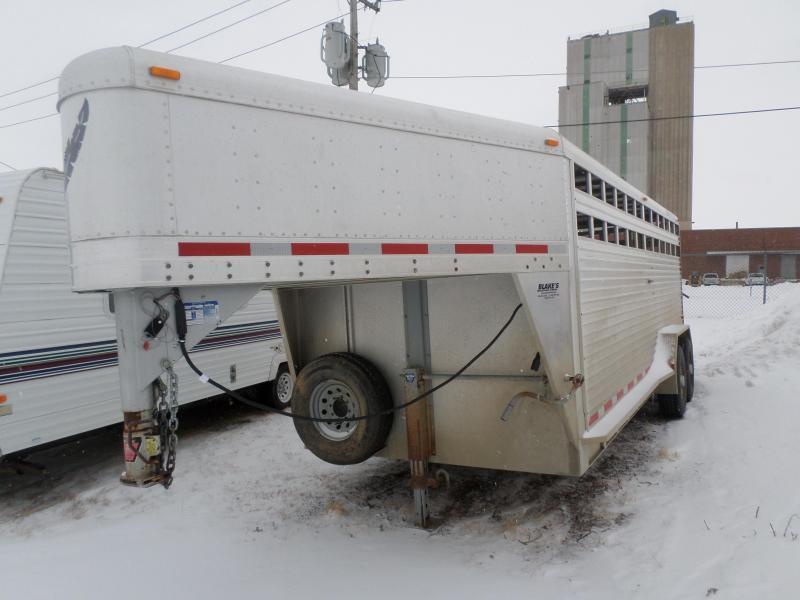 2002 Featherlite Stock Livestock Trailer