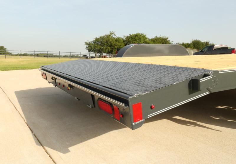 2019 Lamar Trailers CE-3.5k-18 Wood Deck Car / Racing Trailer