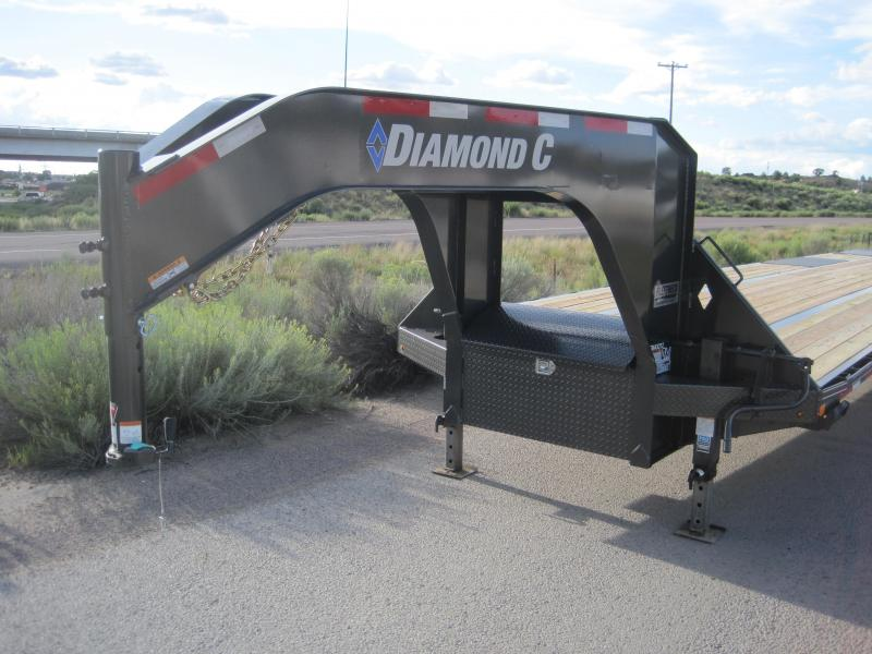 2019 Diamond C Trailers Fmax-212-40-MR-EOH Flatbed Trailer