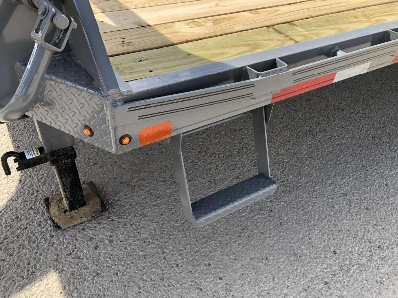 2019 Diamond C Trailers Fmax-210-25-MR Flatbed Trailer