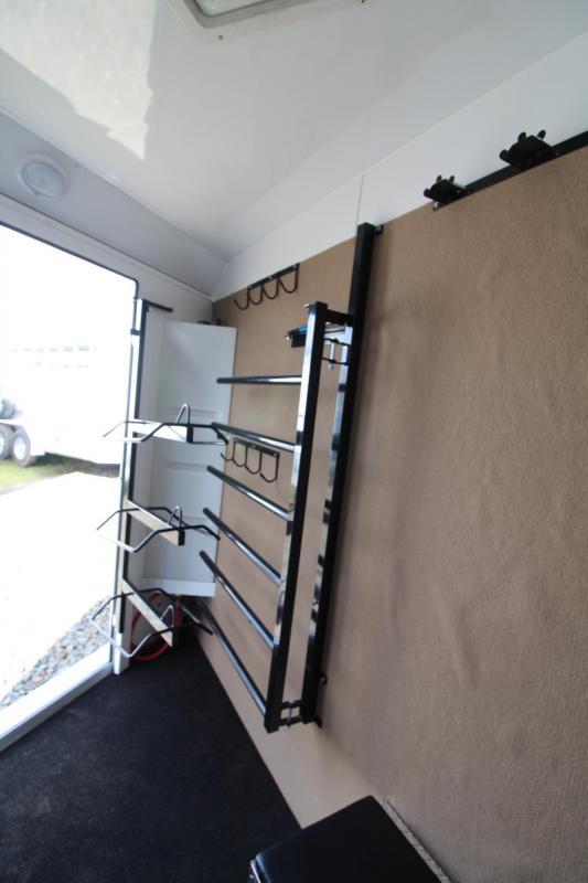 2017 Trails West Sierra Select 3 Horse Trailer - LIKE NEW - Seamless Aluminum Vacuum Bonded walls and roof
