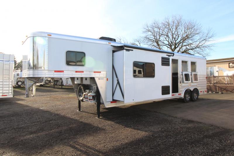 2018 Exiss Endeavor 8312 - 3 Horse 12' Short wall Living Quarters Trailer - Slide out - Polylast Flooring - Mangers