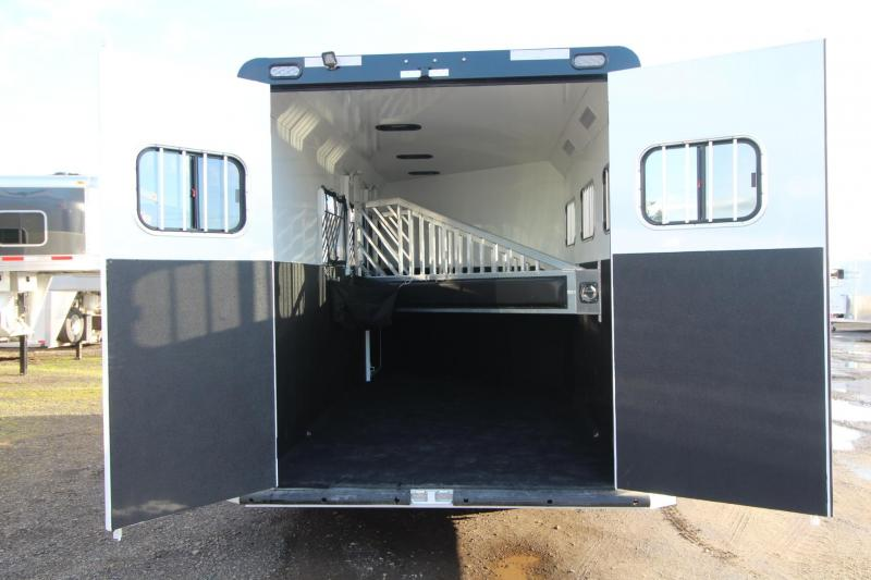 2018 Trails West Sierra Select 3 Horse Trailer - Lined and Insulated - Seamless Aluminum Vacuum Bonded Walls and Roof