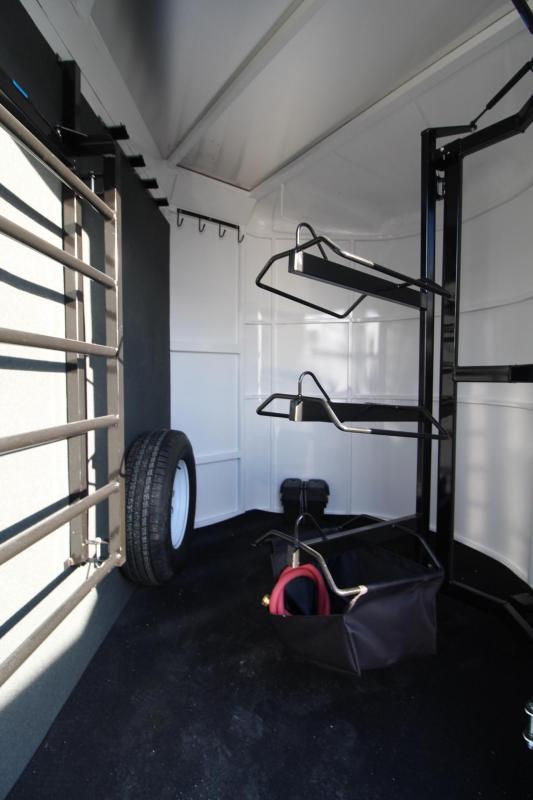 2018 Trails West Sierra 3 Horse Trailer - Extended Tack Room - Aluminum Skin Steel Frame