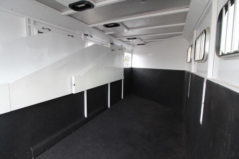 2010 Trails West Classic 4 Horse Trailer w/ 5x5 Dressing Room w/ separate side tack