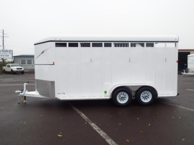 2017 Fabform Vision 3 Horse Trailer Galvanized Steel - Swing Out Saddle Rack!